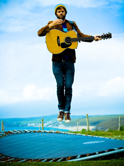 Neil Halstead makes offhand Slowdive reunion comment, throws internet into a tizzy